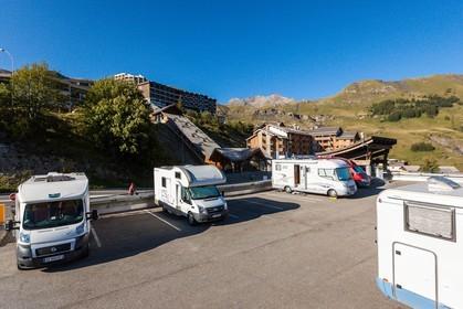 massif central tourisme en camping car